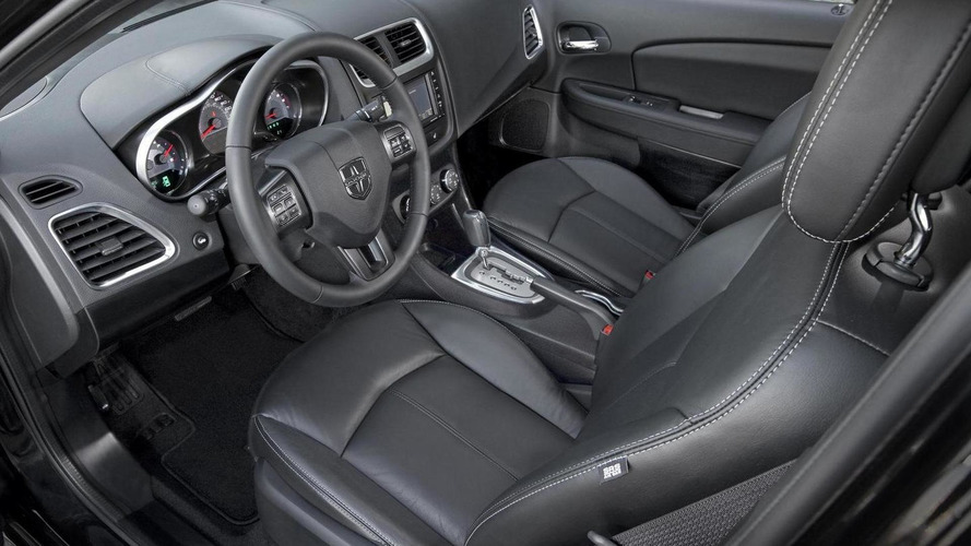 2011 Dodge Avenger revealed