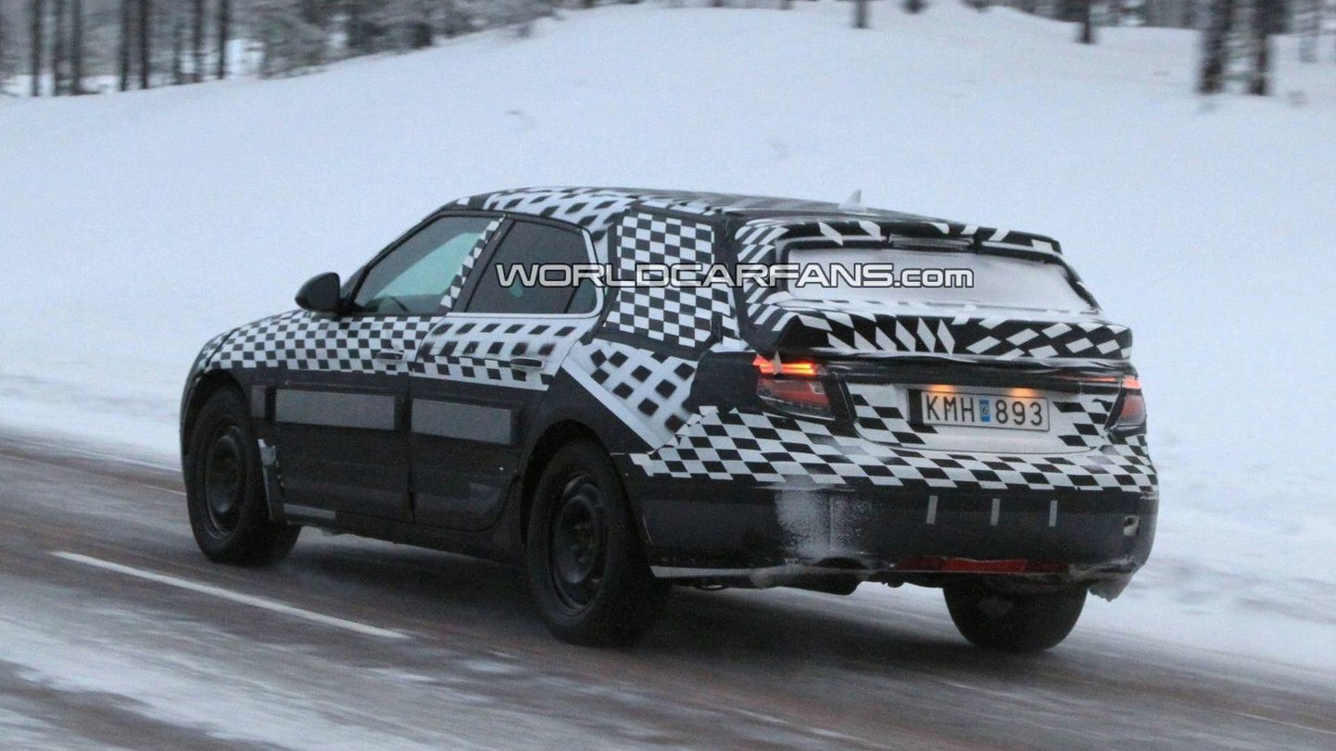 Saab 9-5 Wagon Spied in the Face of Liquidation