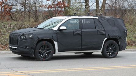 GM will show new Chevy Traverse and GMC Terrain in Detroit
