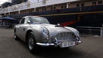 L'Aston Martin DB5 de James Bond exposée à Rétromobile