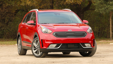 Kia Niro hybrid crossover priced from $23,785
