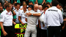 Zetsche steps in as Mercedes struggle to manage driver war