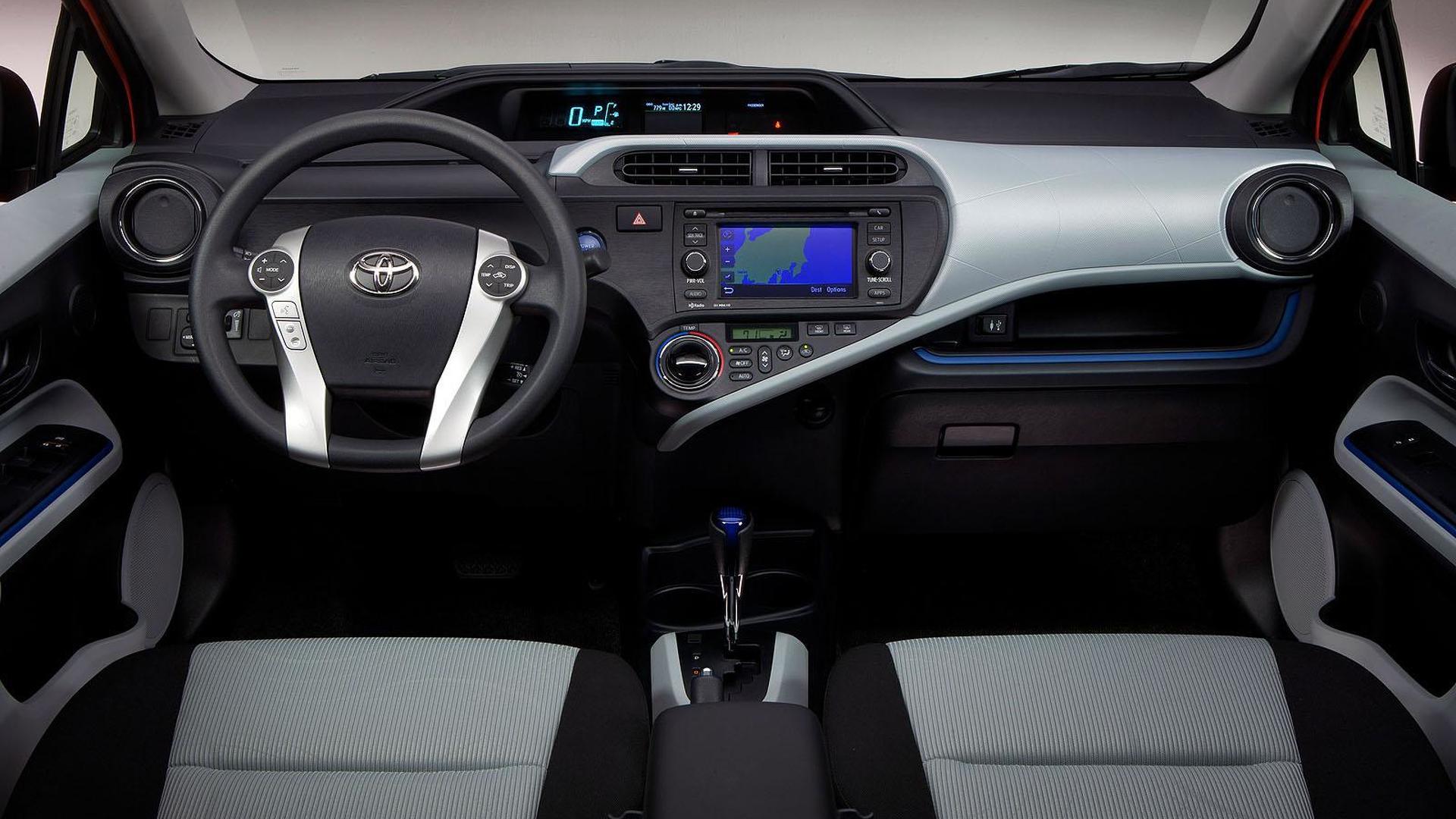 Toyota Prius c revealed [video]