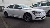 WCF reader photographs Renault Talisman black and white duo in France