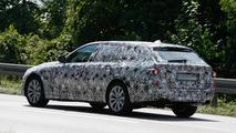2017 BMW 5-Series Touring plug-in hybrid spy photo