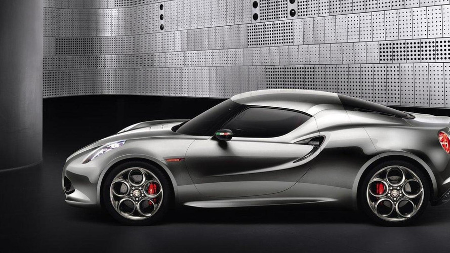 Alfa Romeo 4C live on the Frankfurt floor [video]
