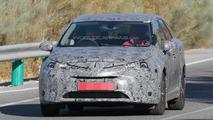 2016 Toyota Avensis mule spy photo