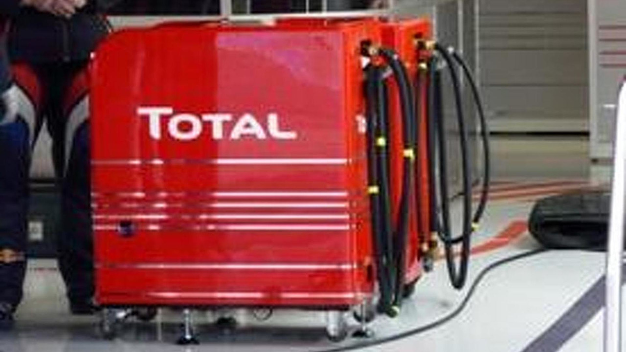 Total F1 fuel pump / autosport.com