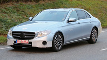 2016 Mercedes-Benz E-Class Sedan spotted in traffic with very little disguise