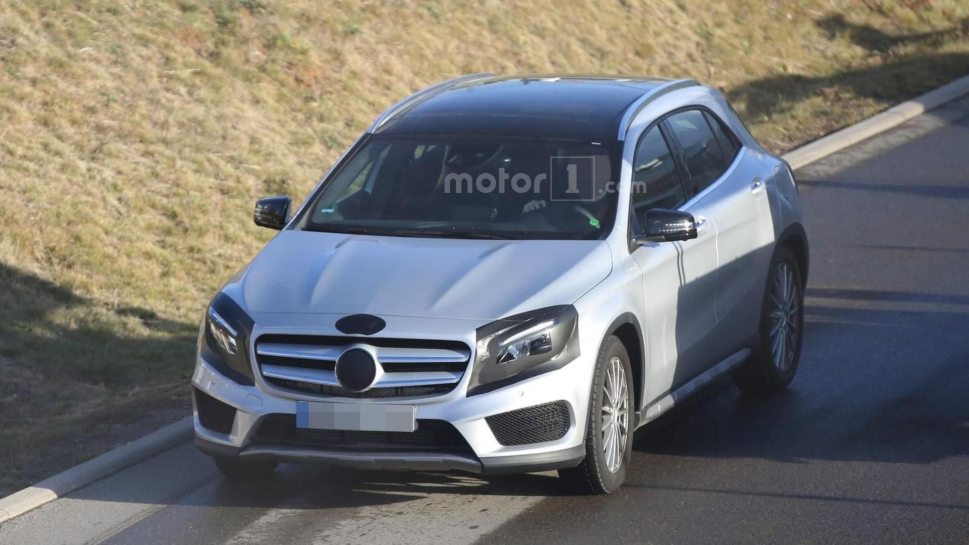 2017 Mercedes GLA facelift returns in new spy photos