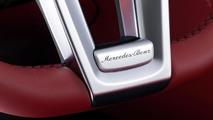 2013 Mercedes SL unveiled in Detroit [video]