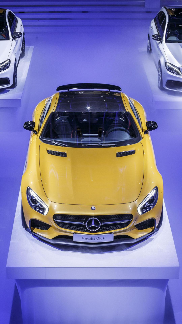 Mercedes AMG GT live in Paris