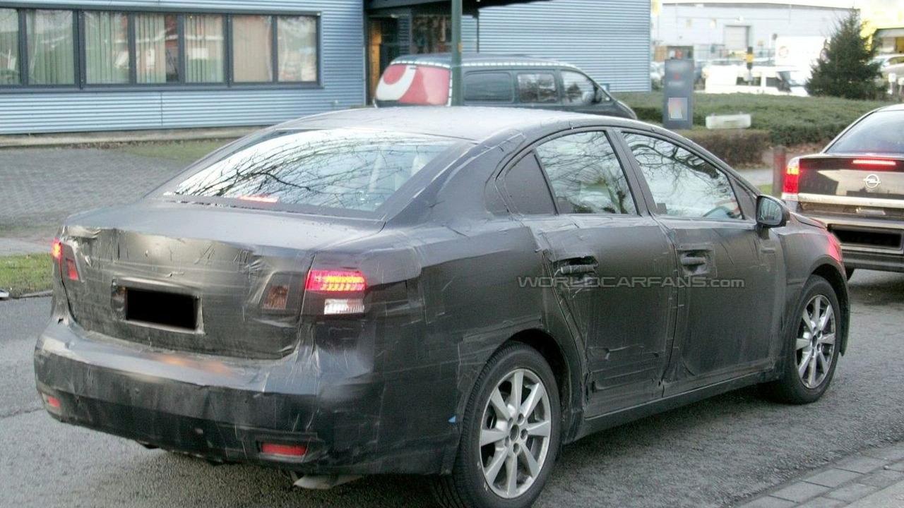 Toyota Avensis Sedan Spy Photo