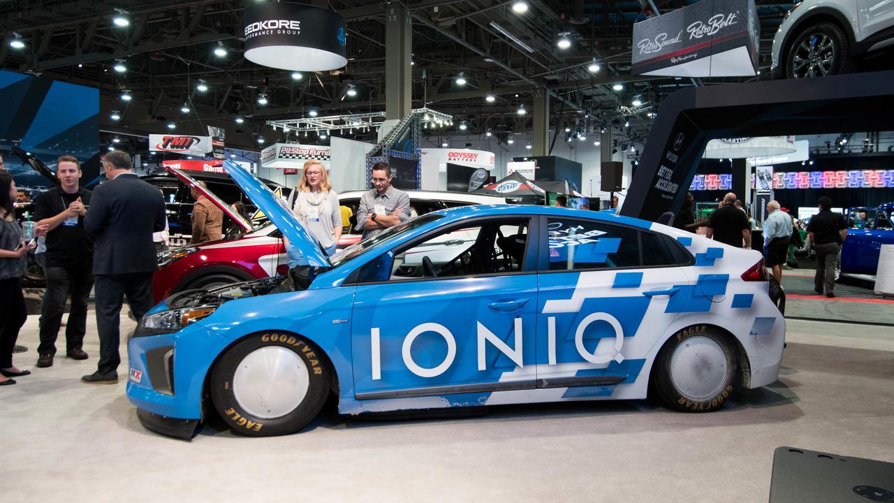 Hyundai Ioniq land speed record car SEMA 2016