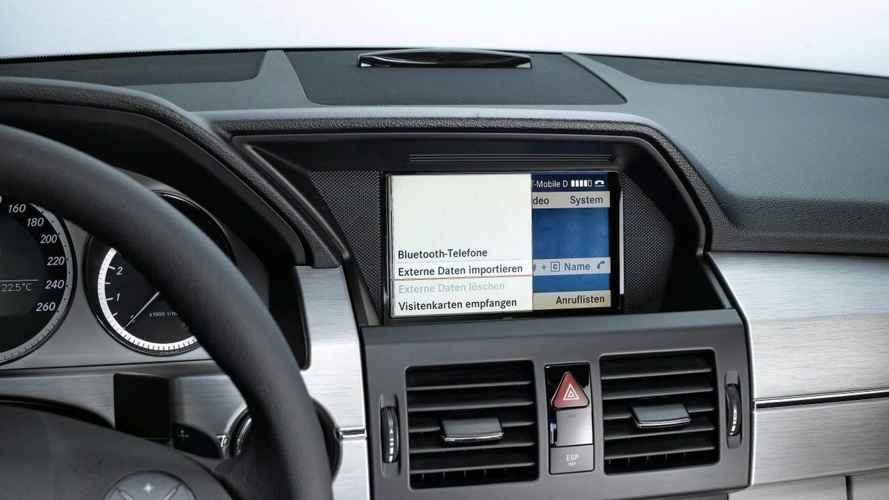 Mercedes iPhone Cradle