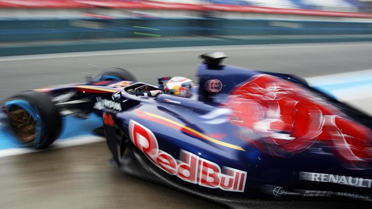 Daniil Kvyat 31.01.2014 Formula One Testing Jerez Spain