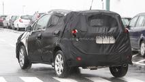2012 Opel 'baby Antara' SUV spied 15.02.2011