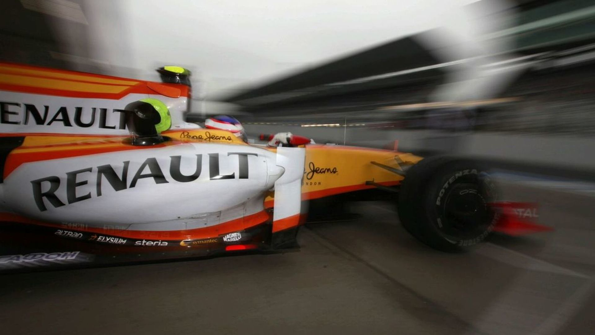Ecclestone believes Renault to stay in F1
