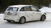 2015 Mercedes-Benz B-Class facelift spy photo