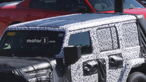 2018 Jeep Wrangler spied with removable panels in its roof