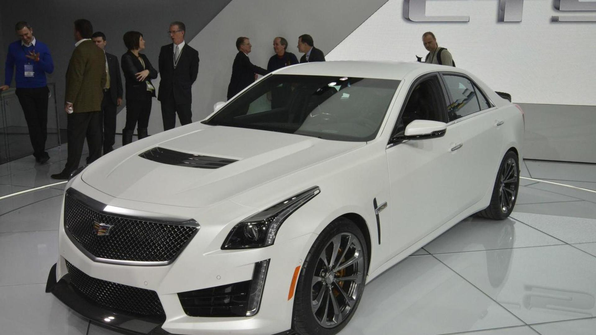 2016 Cadillac CTS-V arrives in Detroit with 640 bhp