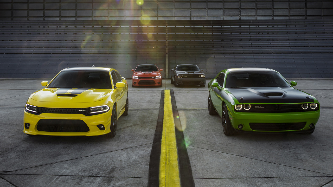 dodge revs up 2017 challenger t a and charger daytona models. Black Bedroom Furniture Sets. Home Design Ideas