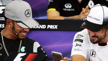 Hamilton walks out of Mercedes press conference