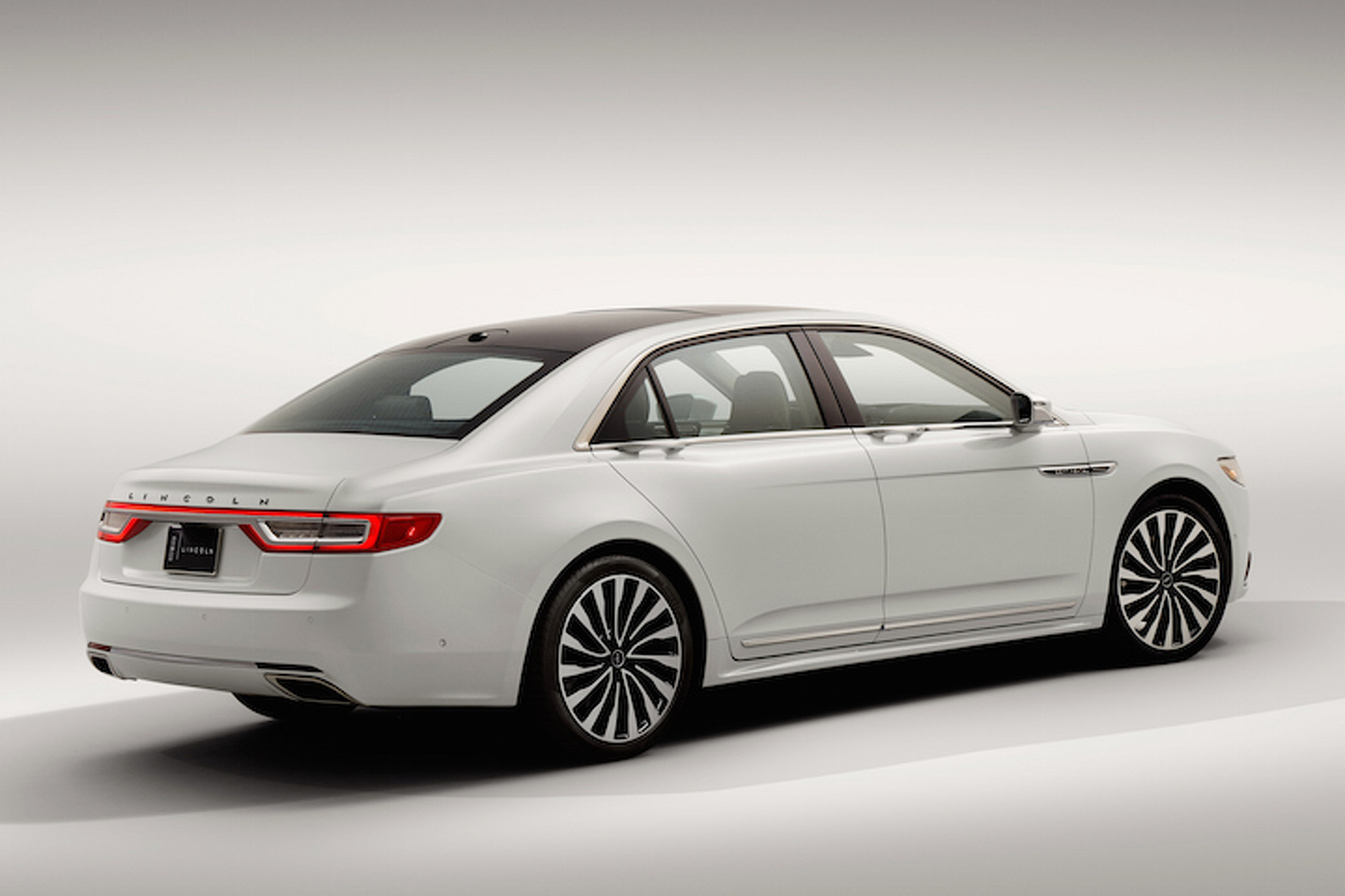 Here's How Much the 2017 Lincoln Continental Will Cost