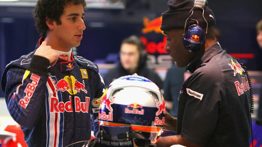 F1 debut in 2011 'would be nice' - Ricciardo