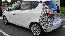 2014 Opel Meriva facelift spied up close