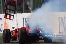Felipe Massa, Scuderia Ferrari, F2008, suffers a mechanical failure while in the lead near the end of the race