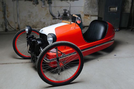 This Three-Wheeled Electric Bicycle is a Morgan Wannabe