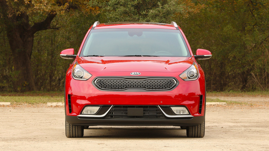 2017 kia niro first drive not all hybrids must bore. Black Bedroom Furniture Sets. Home Design Ideas