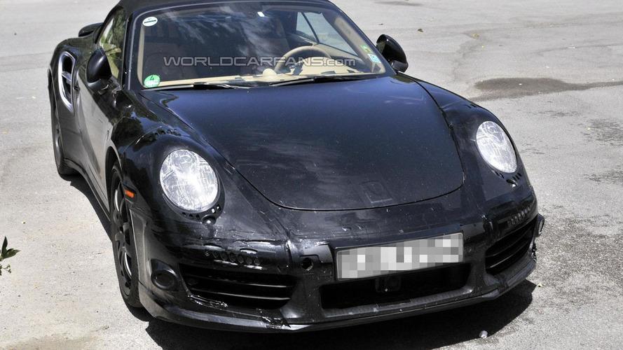 2013 Porsche 911 Turbo Cabriolet spied up close