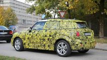 2017 MINI Countryman spy photo