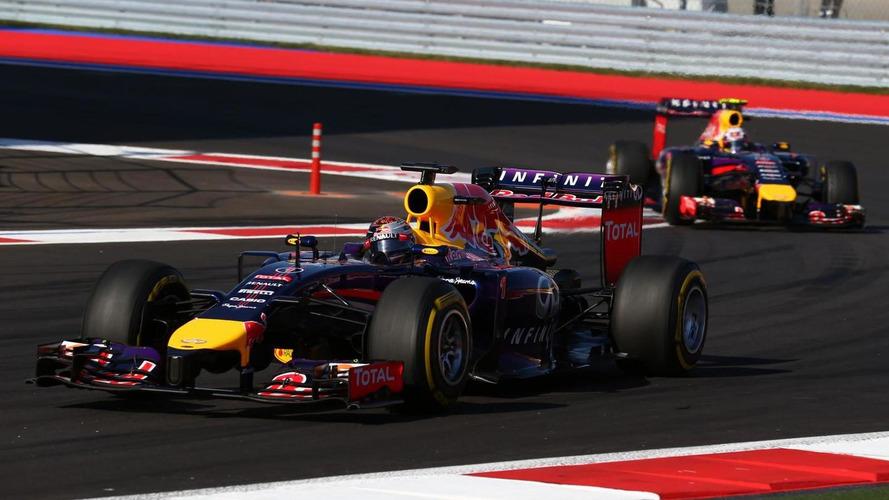 F1 engine rules 'completely stupid' - Vettel