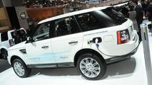 Land Rover Range_e plug-in hybrid debuts in Geneva [video]