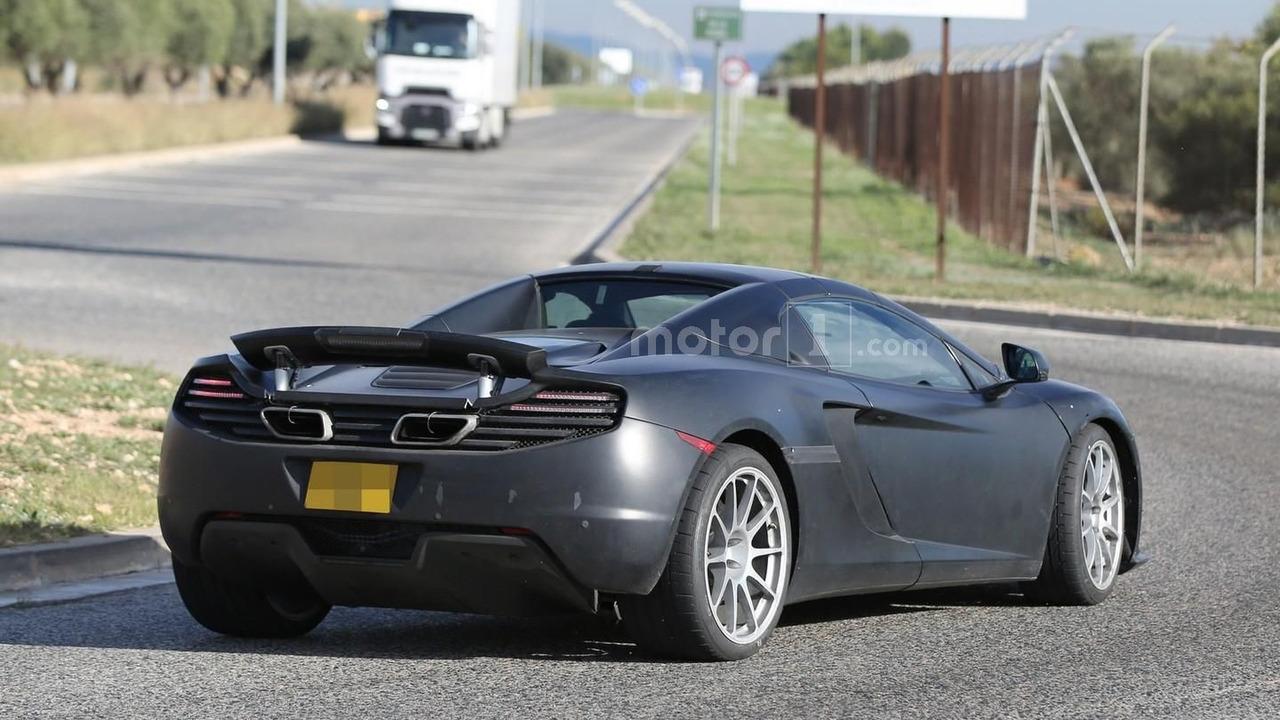 McLaren 675LT Spider spy photo