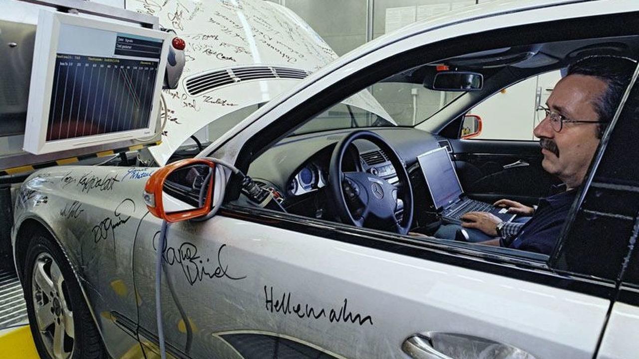 Mercedes E 320 CDI: Technical Inspection Authority