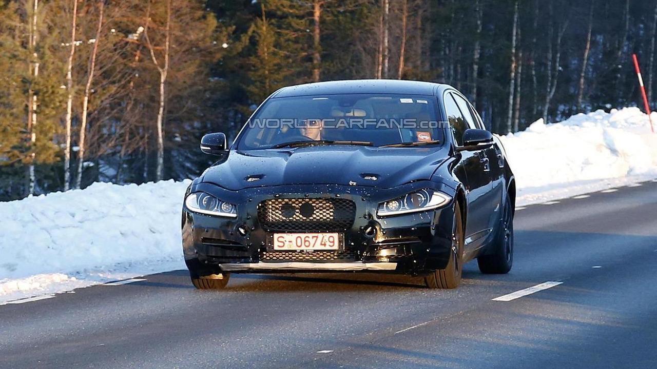 Jaguar entry-level sedan spy photo 13.03.2013 / Automedia