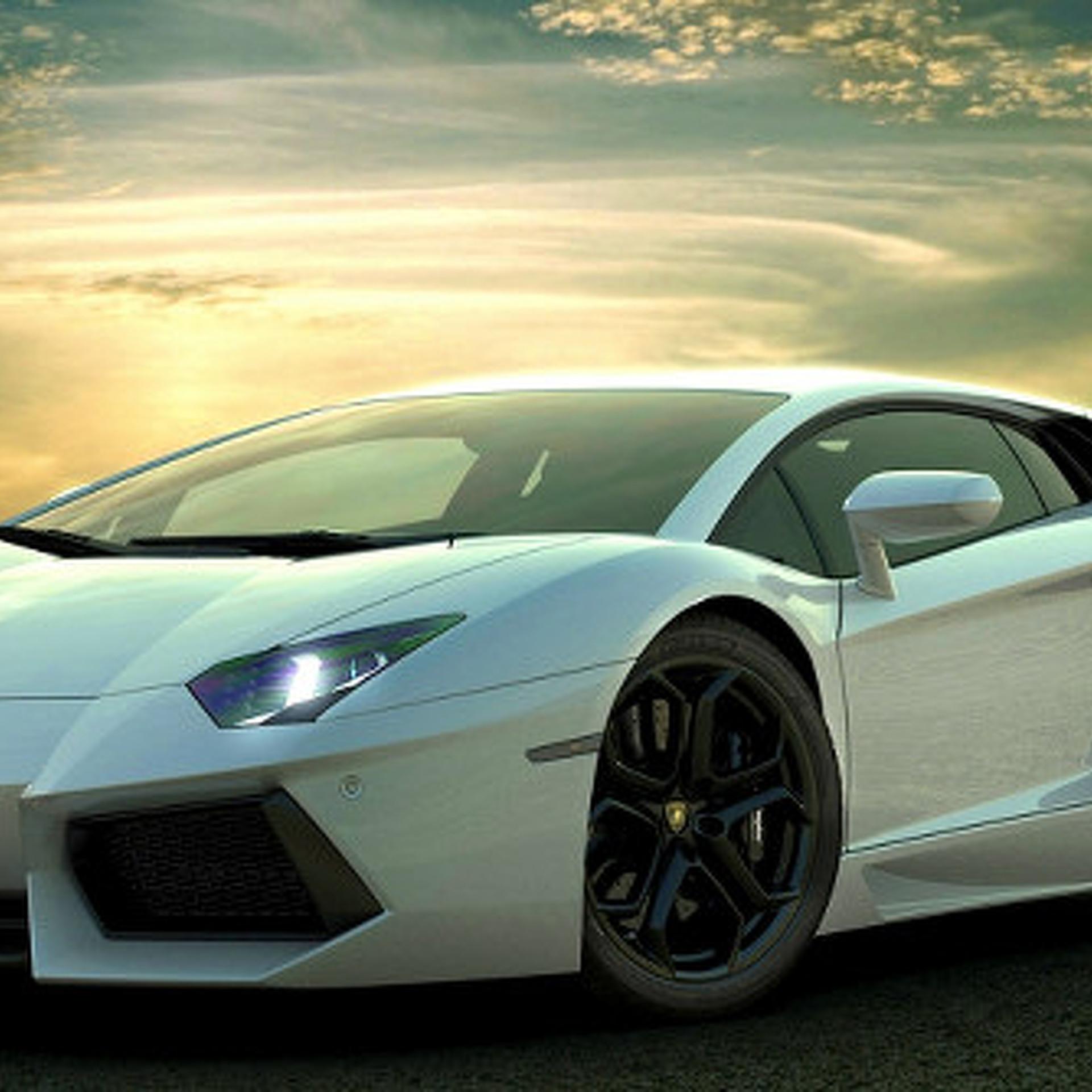 A Time-Traveling Lamborghini in 'Dallas Buyers Club'?