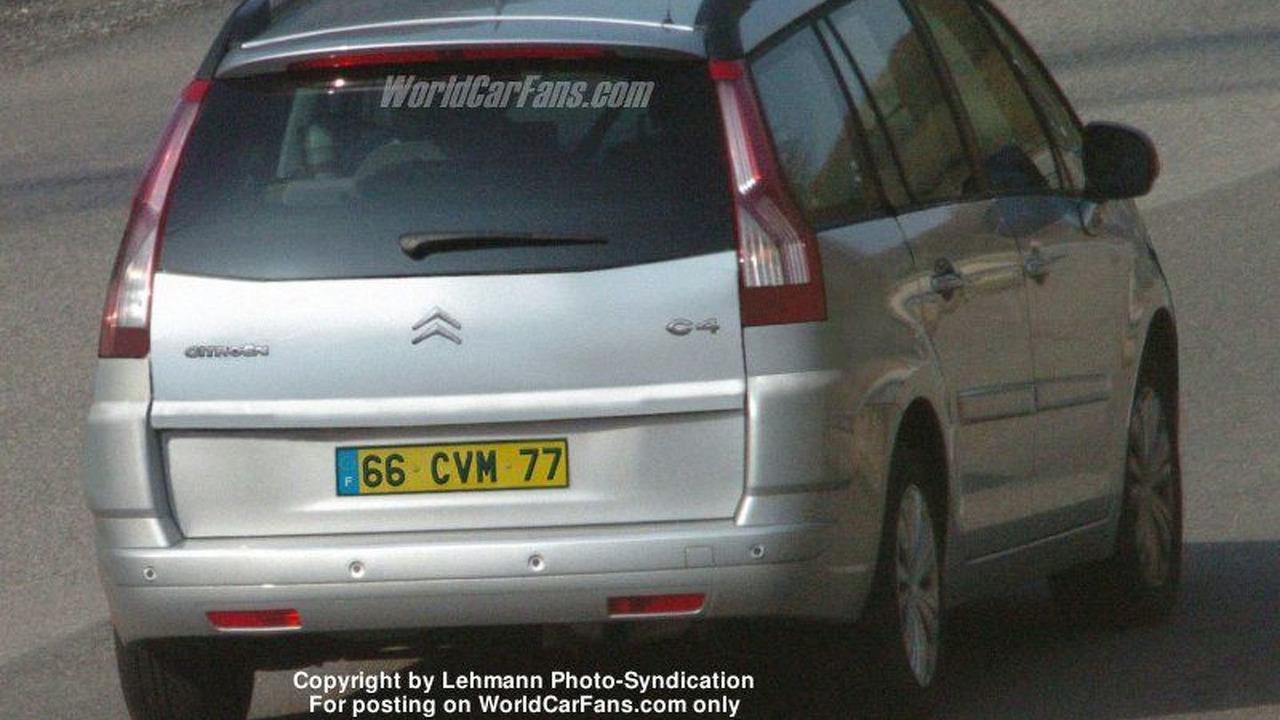 New Citroen C4 Spy Photos