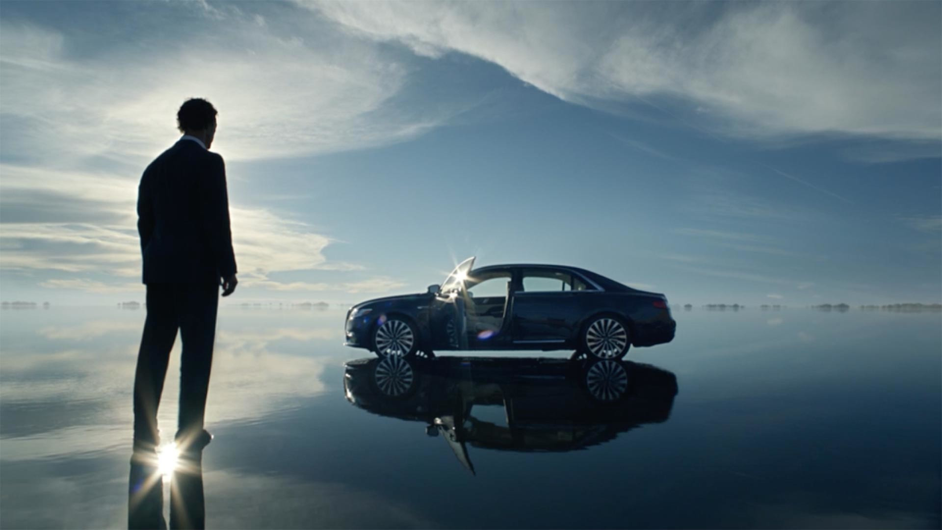 matthew mcconaughey pitches 2017 lincoln continental in quirky new ad. Black Bedroom Furniture Sets. Home Design Ideas