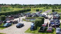 Rolls-Royce celebrates 'Spirit of Ecstasy' centenary with '100 cars for 100 years' event [video]