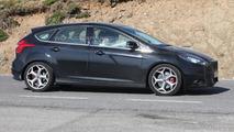 2014 Ford Focus ST facelift spy photo