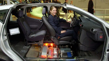 Ten Years of the Fuel Cell at DaimlerChrysler