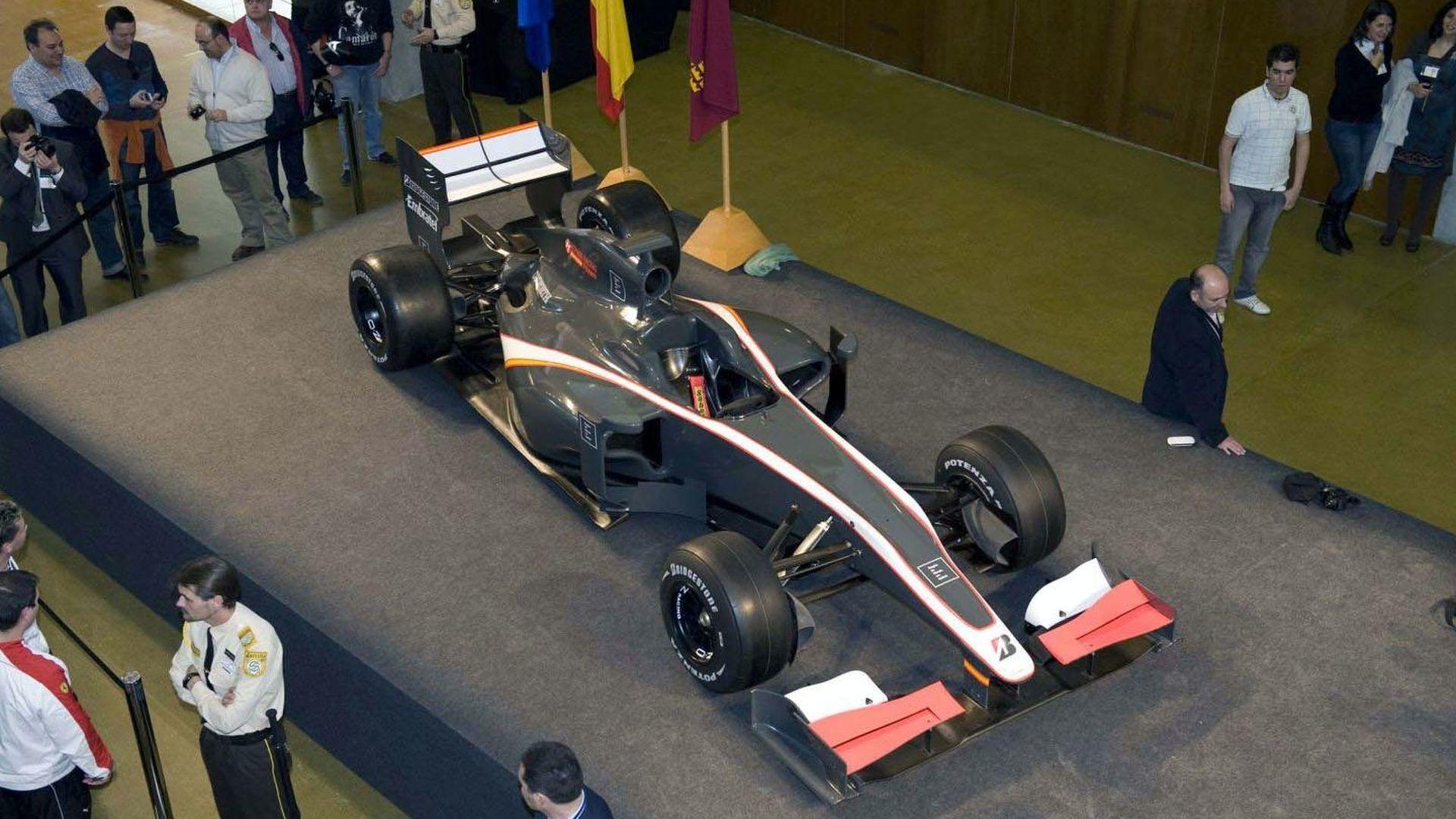 HRT should be quicker than Virgin and Lotus - Senna