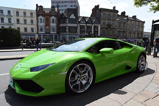 The UK Now Has a 600-HP Lamborghini Huracan Taxi