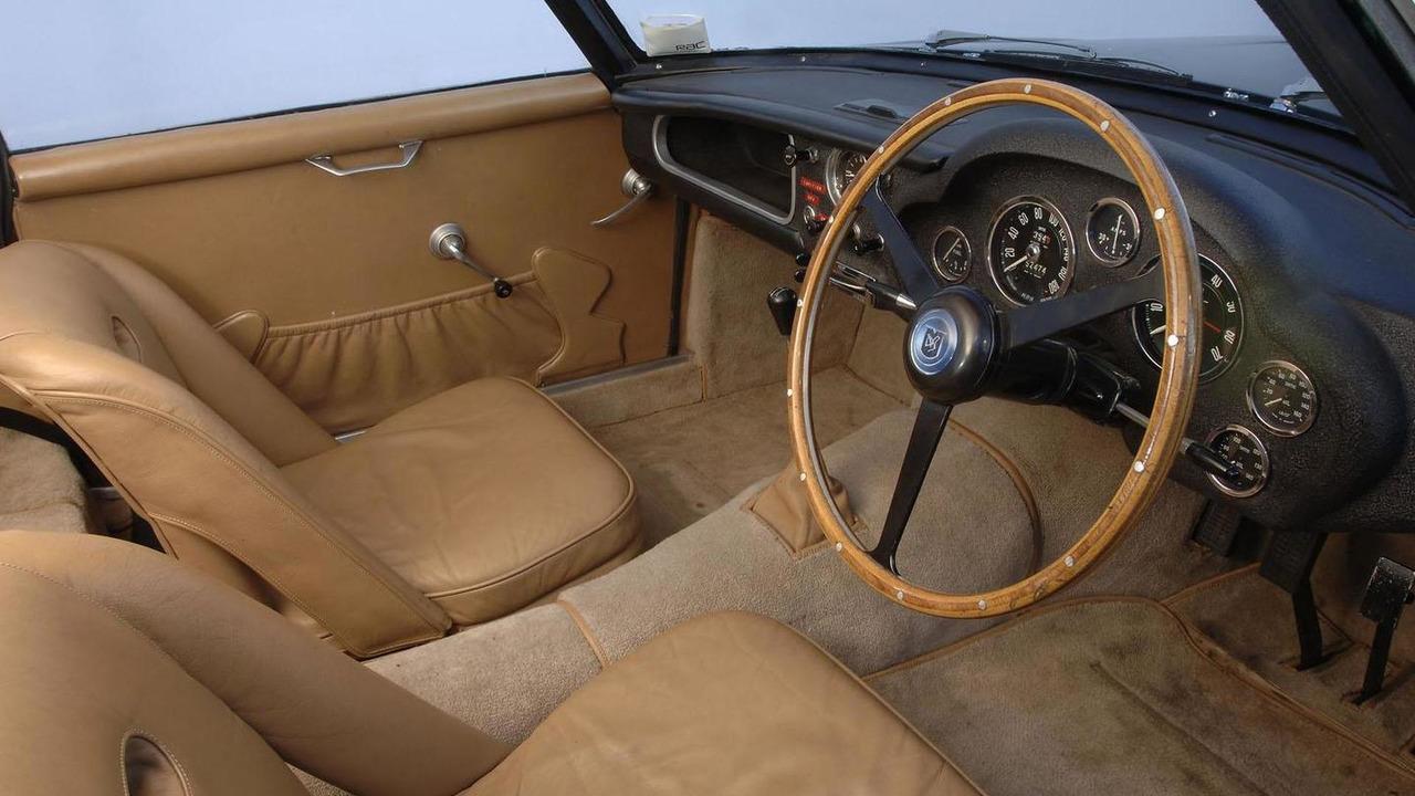 Aston Martin DB4GT Zagato - 11.5.2011