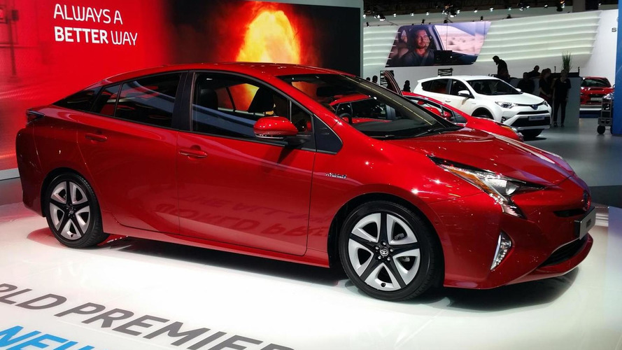 2016 Toyota Prius pricing announced for UK market, starts at £23,295